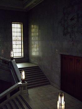 東京国立博物館_本館_大階段.jpg